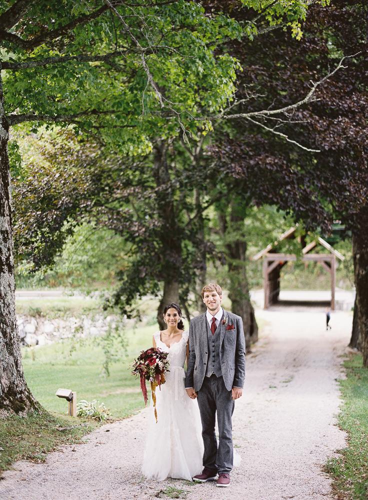 Riverside_Farm_Weddings_Covered_Bridge-4