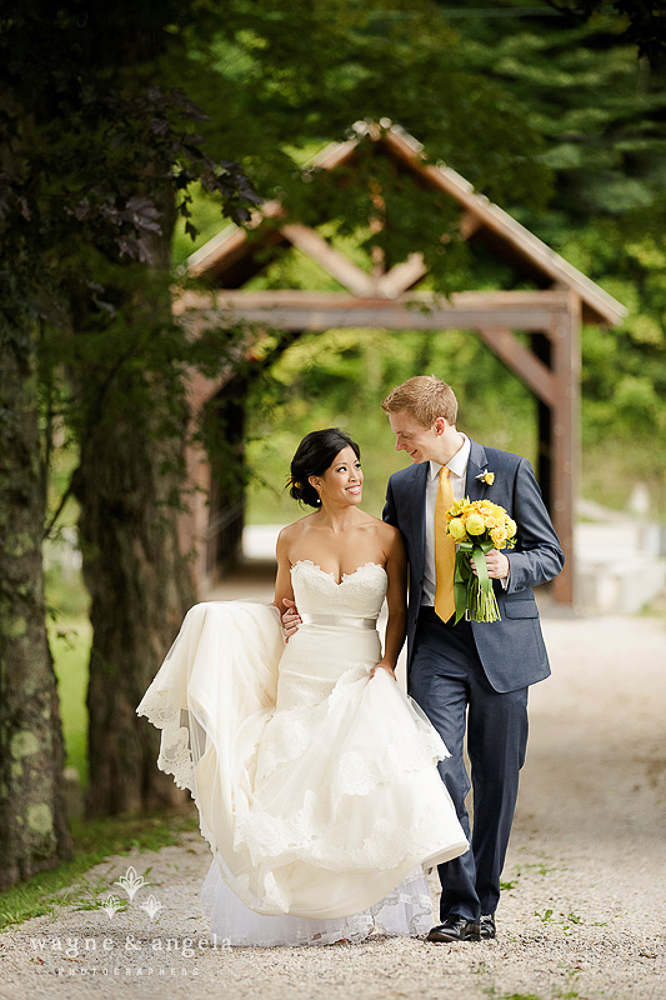 Riverside_Farm_Weddings_Covered_Bridge-2