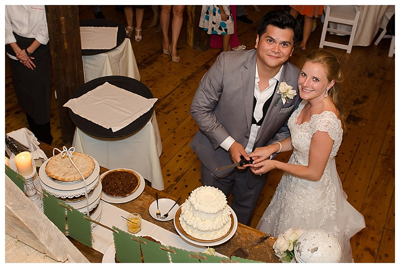 Riverside_Farm-Wedding_Cake_0033