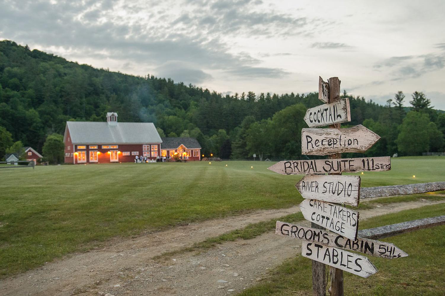 Riverside_Farm_Wedding_DariaBishop-3