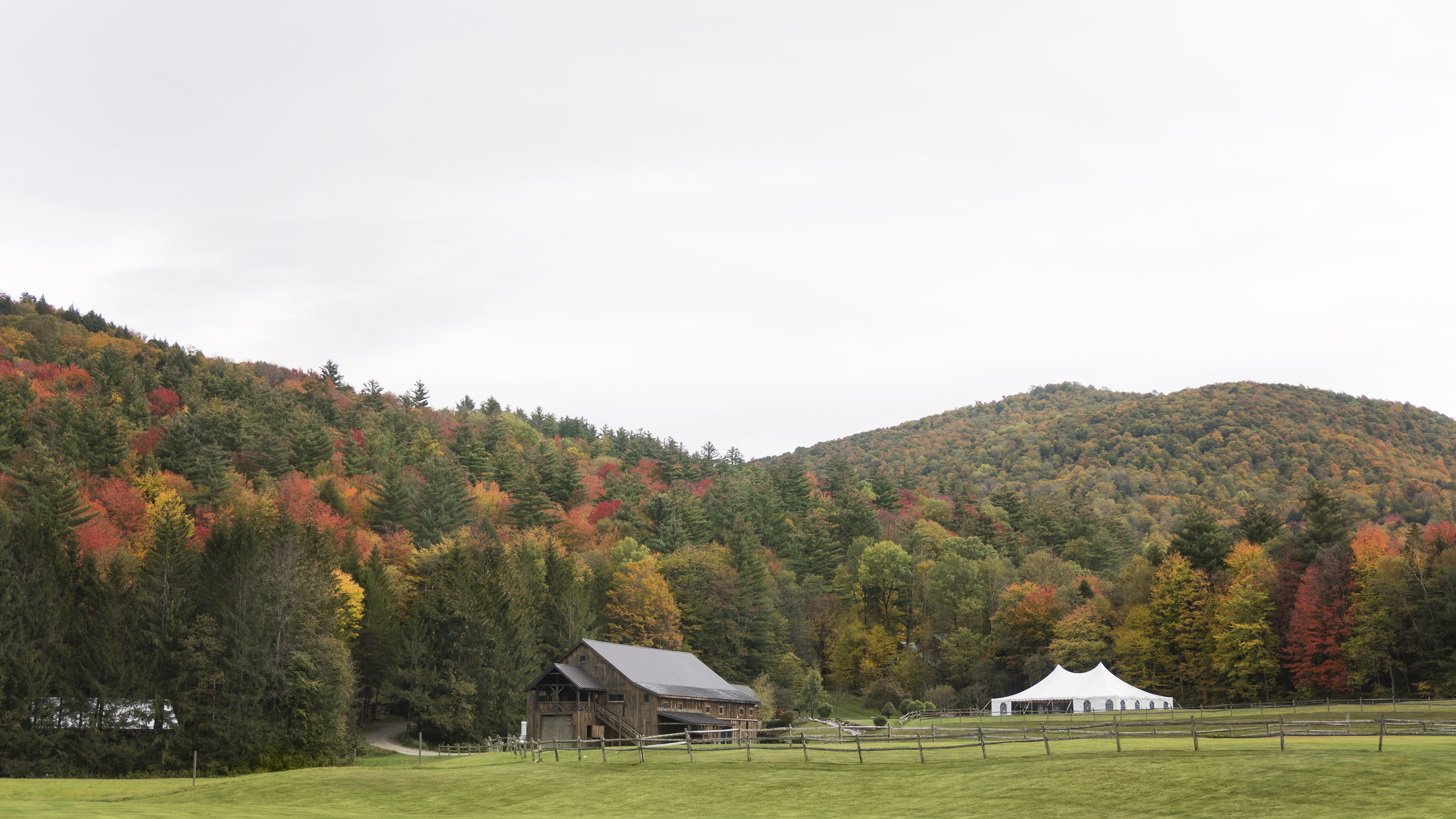Vermont country wedding venue with fall colors