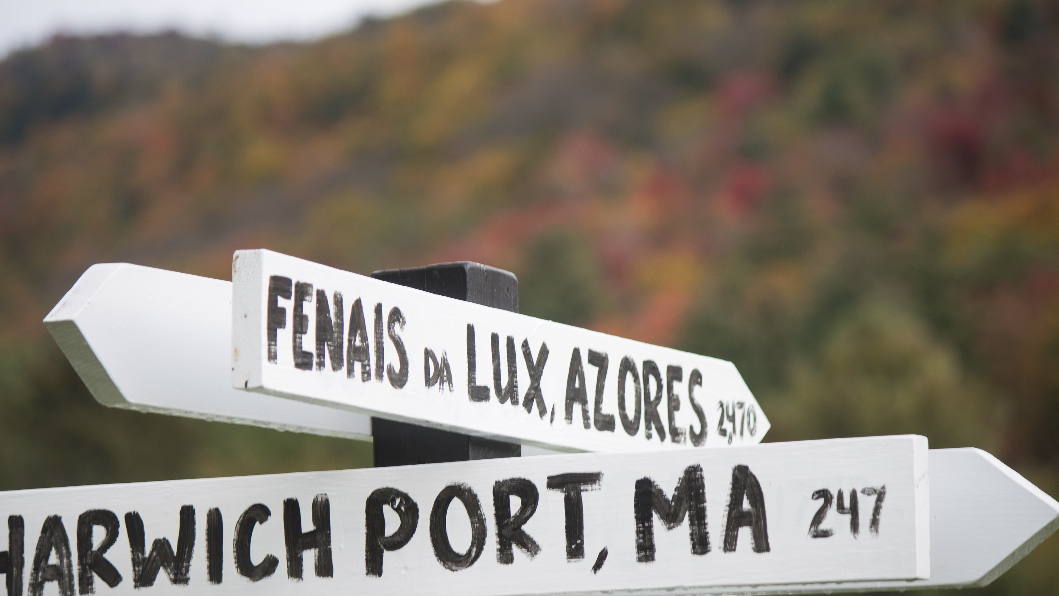 Vermont wedding venue signs with fall colors