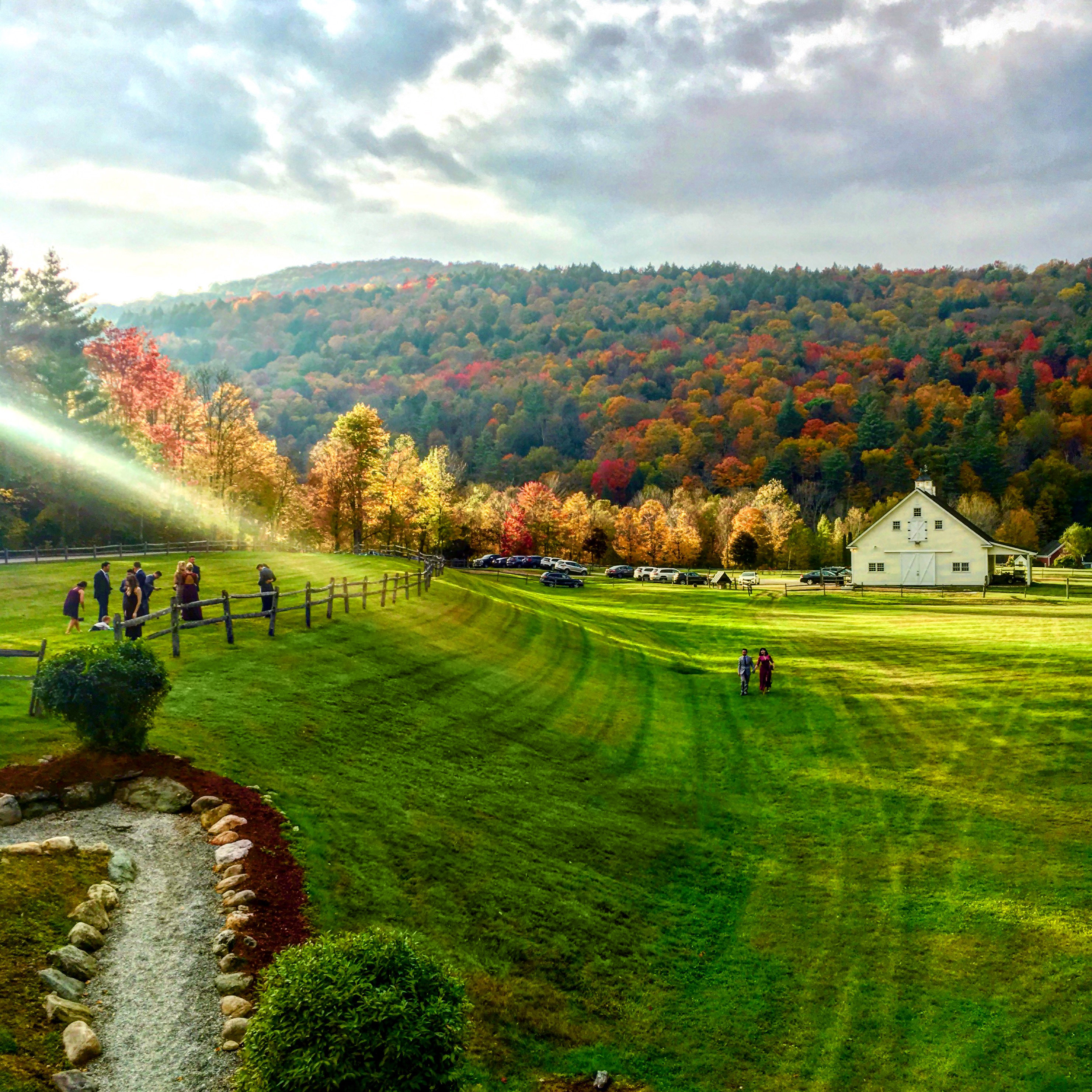Best fall foliage barn photo